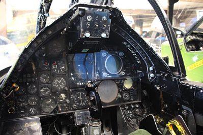 Cockpit 2443